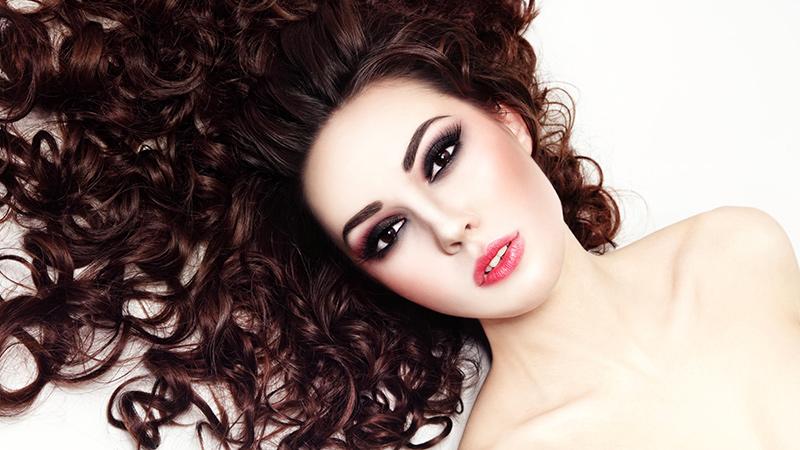 Schiuma per capelli con permanente